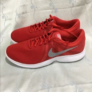 Nike Revolution 4 for men